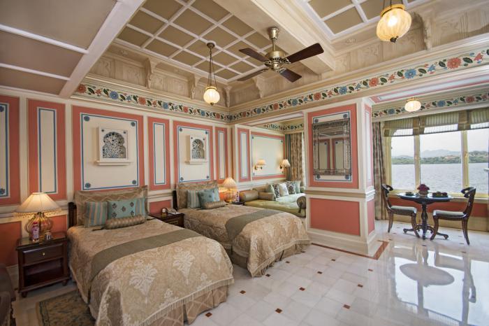 palais-indien-chambre-à-coucher-spectaculaire