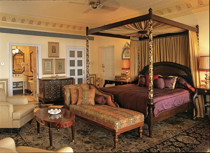 Visiter l 39 inde rester dans un palais indien pour le week for Chambre luxueuse