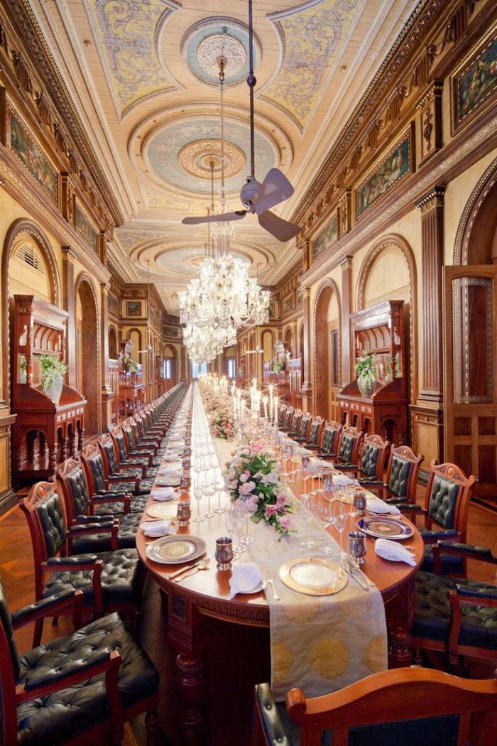 palais-indien-la-plus-longue-salle-de-déjeuner