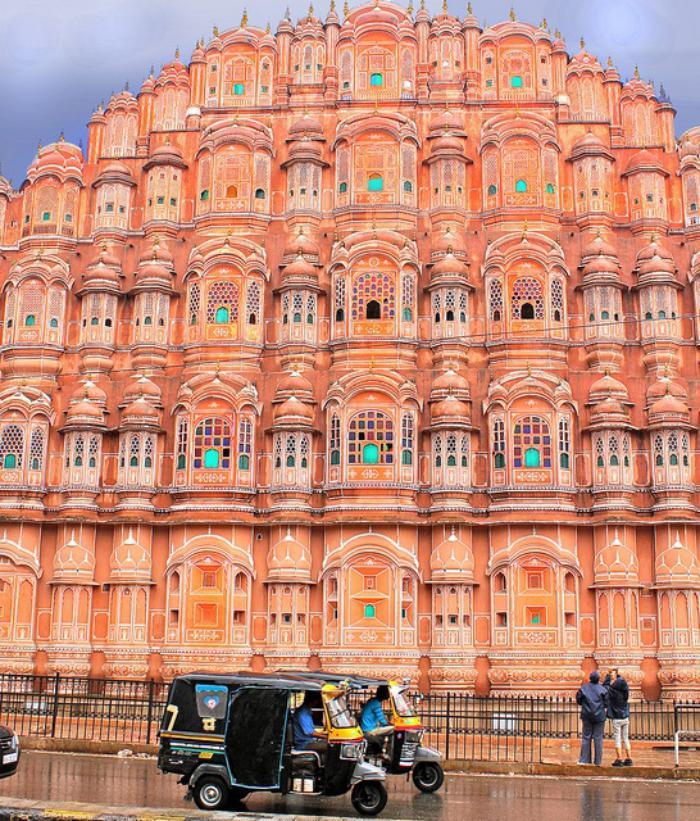 palais-indien-le-palais-des-853-fenêtres
