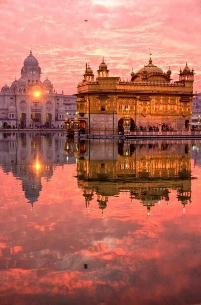 palais-indien-le-temple-doré-à-Amritsar