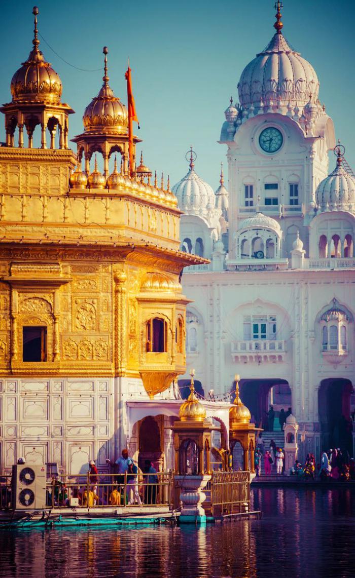 palais-indien-le-temple-doré-symbole-de-l'égalité-humaine