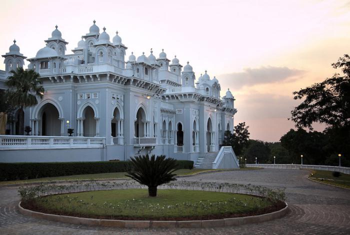 palais-indien-taj-falaknuma-poésie-architecturale