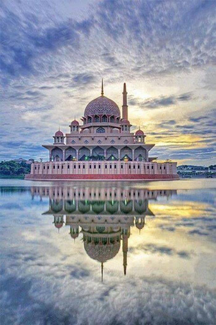 palais-indien-palias-flottant-unique