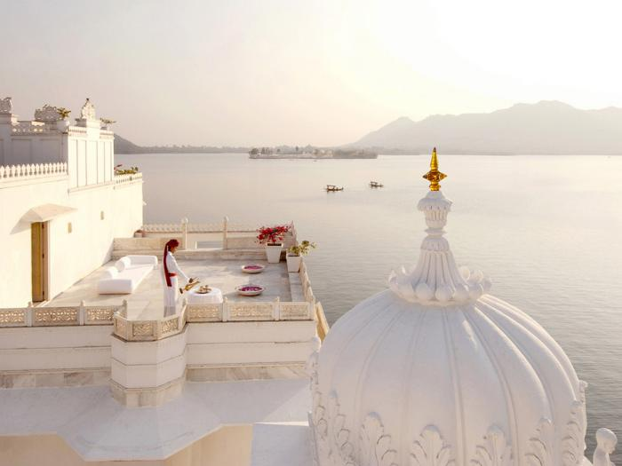 palais-indien-taj-lake-rajasthan-udaipur