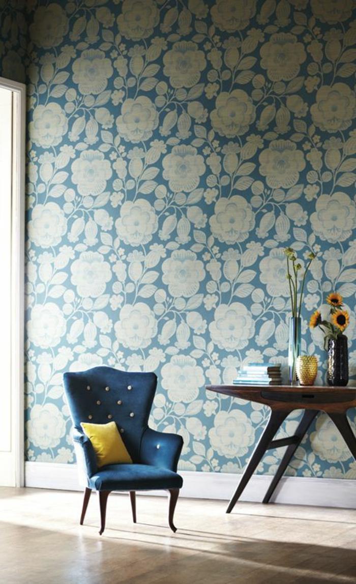 papier-peint-de-couleur-bleu-clair-meubles-d-intérieur-modernes-bleu-foncé-idee-papier-peint-salon-chabby-chic