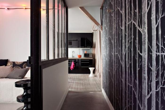 papier-peint-de-couloir-forêt-en-noir-et-blanc