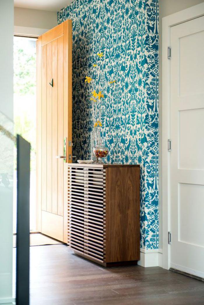 papier-peint-de-couloir-turquoise-et-blanc