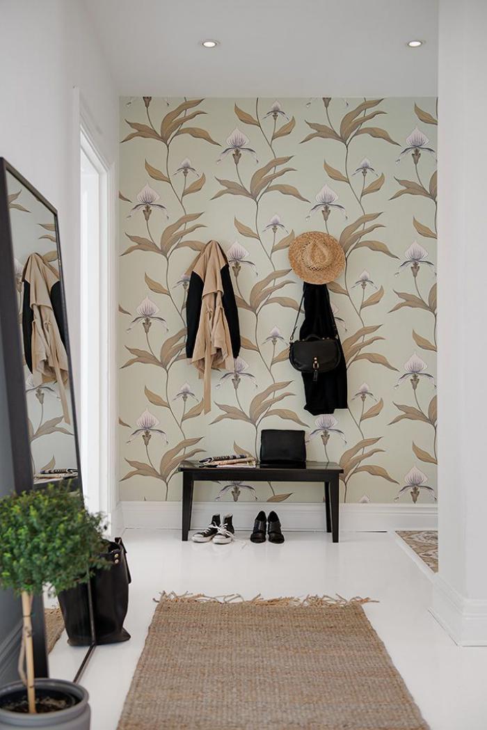 papier-peint-de-couloir-une-entrée-blanche-tapis-en-jute