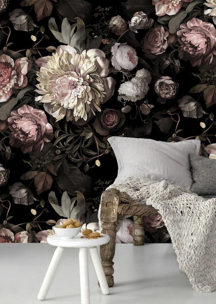 papier-peint-fleuri-pour-le-salon-canapé-beige-coussins-pour-canapé-meubles-de-salon
