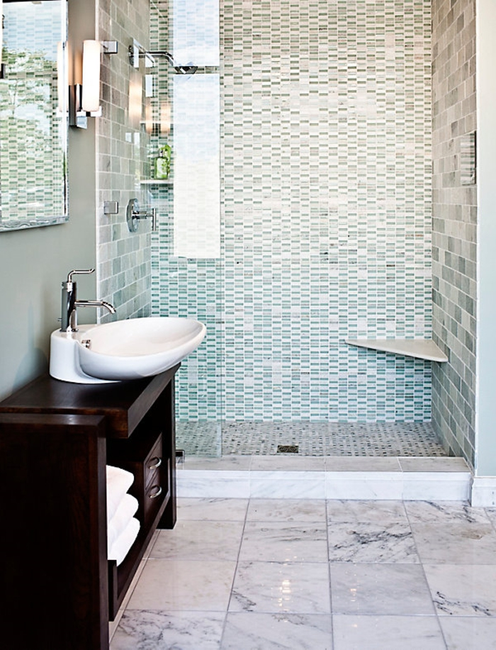 peinture-carrelage-salle-de-bain-idées-originales-à-réaliser-petits-mosaique