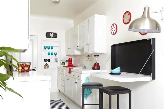 petite-table-de-cuisine-pliante-aménagement-petit-espace-cuisine-blanche