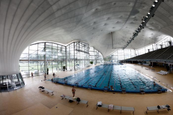 piscine-olympique-phénoménale-à-Munich-incroyable-architecture-intérieure