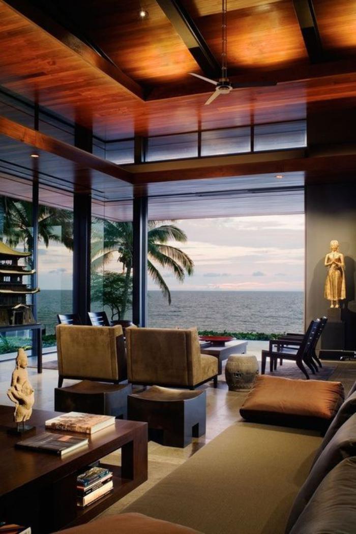plafond-lumineux-jolie-maison-de-vacances-avec-plafond-en-bois-éclairé