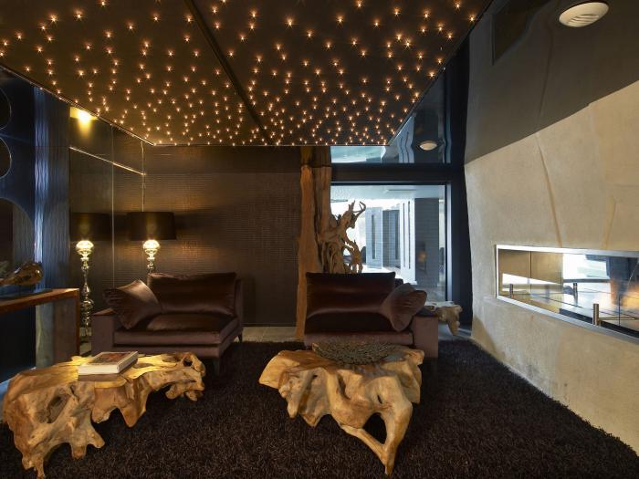 le plafond lumineux jolis designs de faux plafonds et d With carrelage adhesif salle de bain avec plafond led ciel étoilé