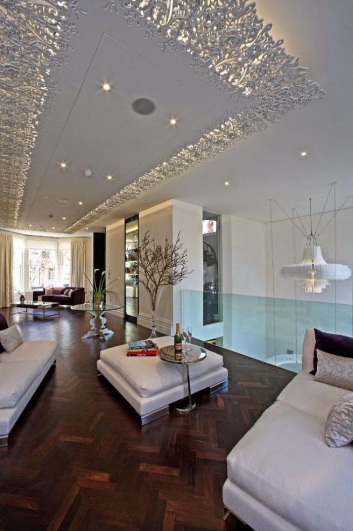 plafond-lumineux-plafond-suspendu-blanc-idées-déco-avec-éclairage