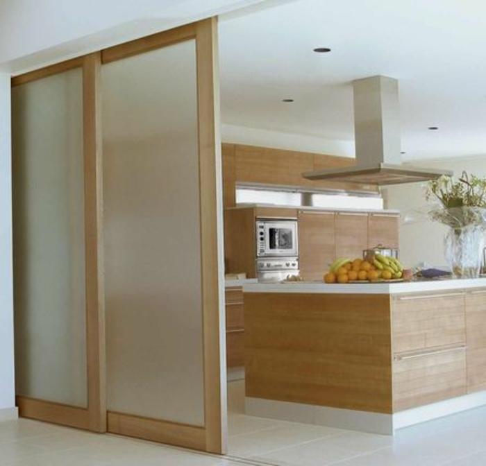 porte-à-galandage-leroy-merlin-en-bois-clair-dans-la-cuisine-moderne-meubles-en-bois-clair