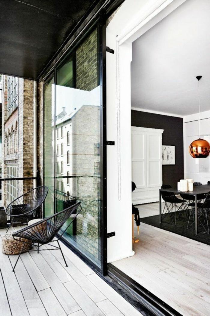 porte-à-galandage-leroy-merlin-vers-le-balcon-d-appartement-sol-en-parquet-clair-meubles-d-interieur