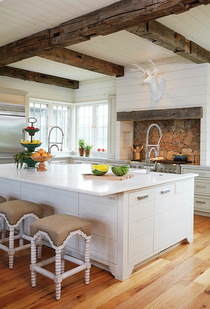 La poutre en bois dans 50 photos magnifiques - Plafond suspendu cuisine ...