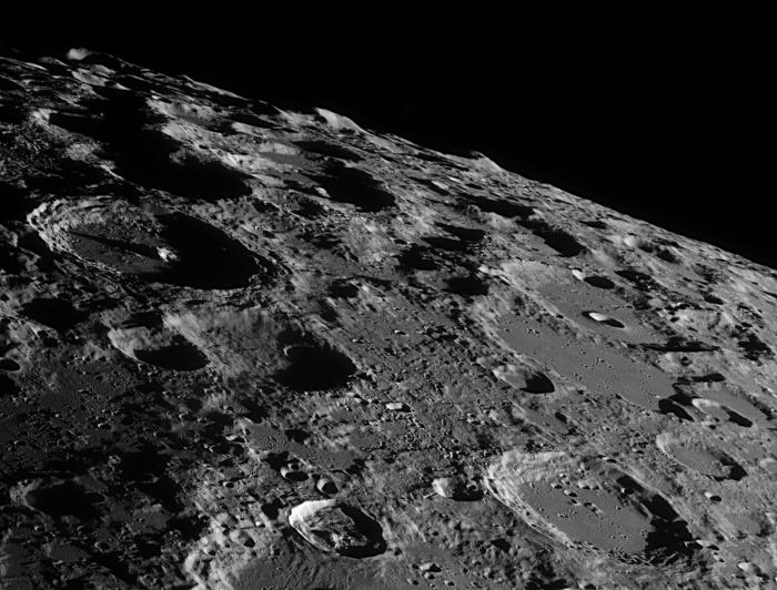 La surface de la Lune - Astronomie et Astrophysique