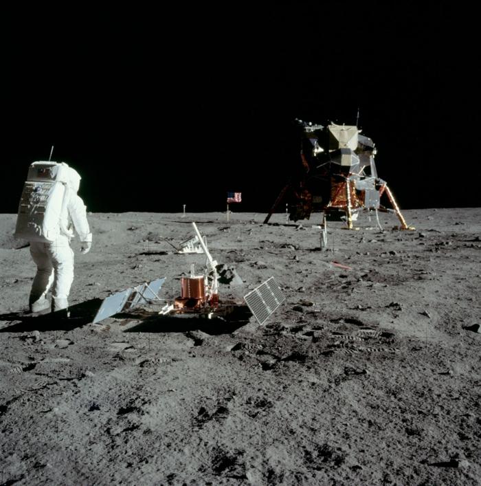 premiers-pas-sur-la-lune-Transit-vers-la-Lune-et-atterrissage-