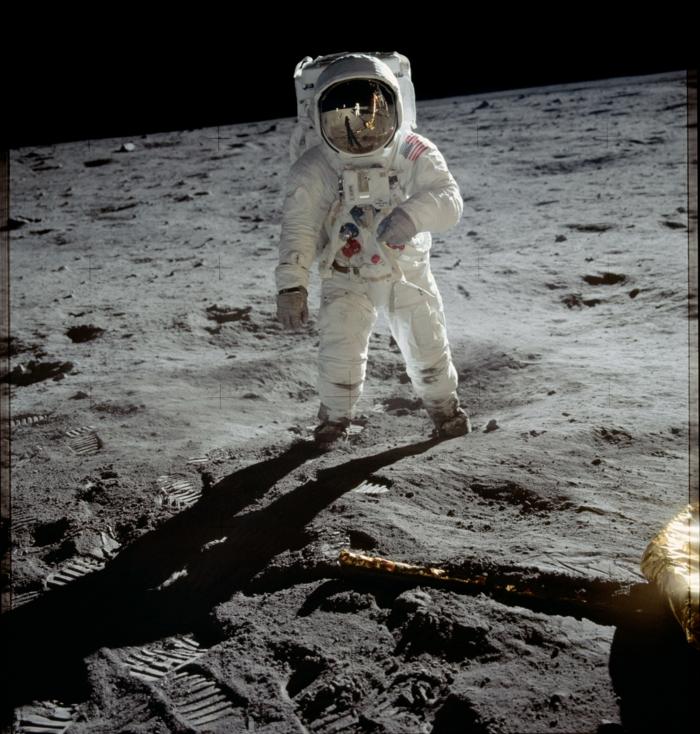 premiers-pas-sur-la-lune-Transit-vers-la-Lune-et-atterrissage-lune