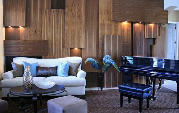 revetement-mural-bois-pièce-vintage-décoration-de-mur-canapé-blanc-confortable