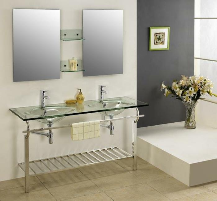 salle-de-bain-aménagée-meuble-double-vasque-beige-fleurs