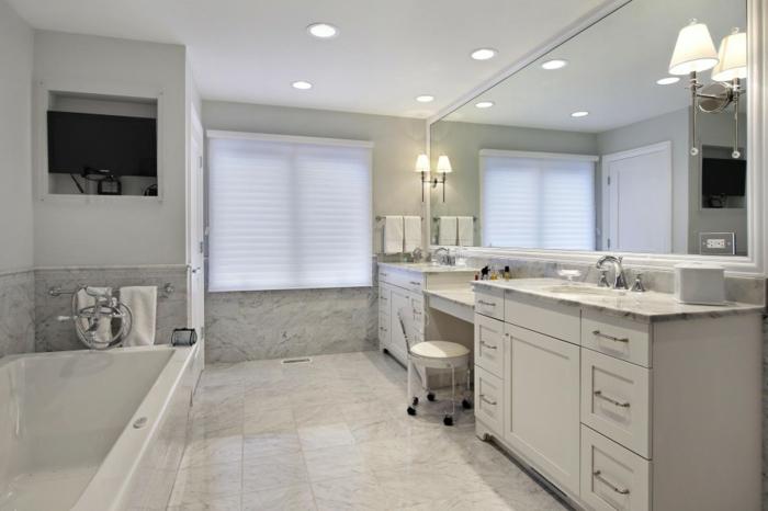 salle-de-bain-aménagée-meuble-double-vasque-marbre-granith