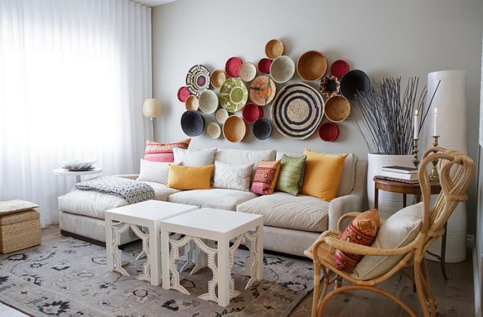 salon-marocain-moderne-déco-murale-originale-couleurs-énergétiques
