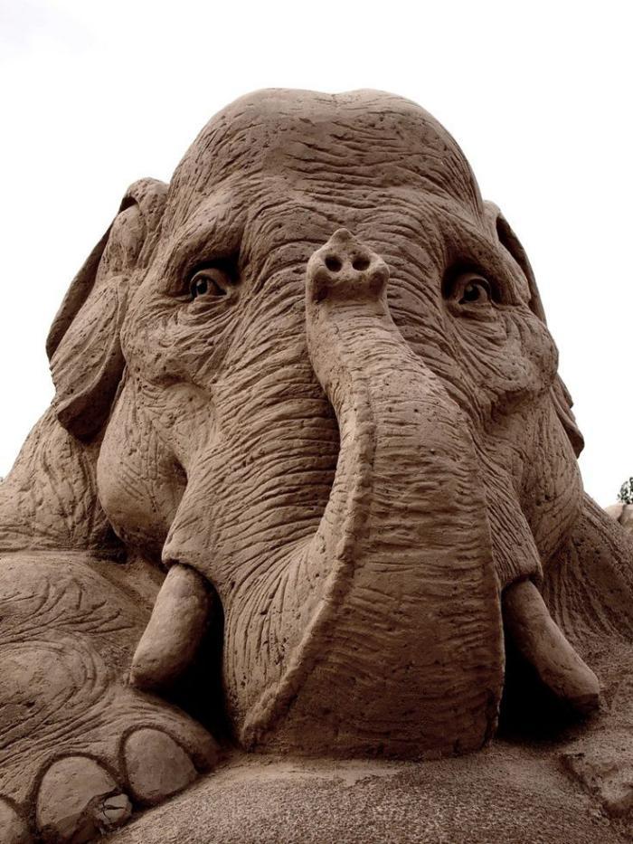 sculpture-de-sable-une-sculpture-phénoménale-d'éléphant