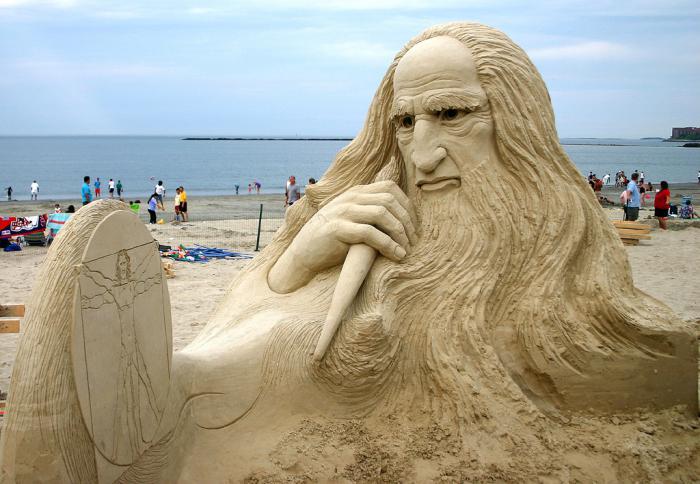 sculpture-de-sable-Da-Vincci-et-son-dessin-en-sable