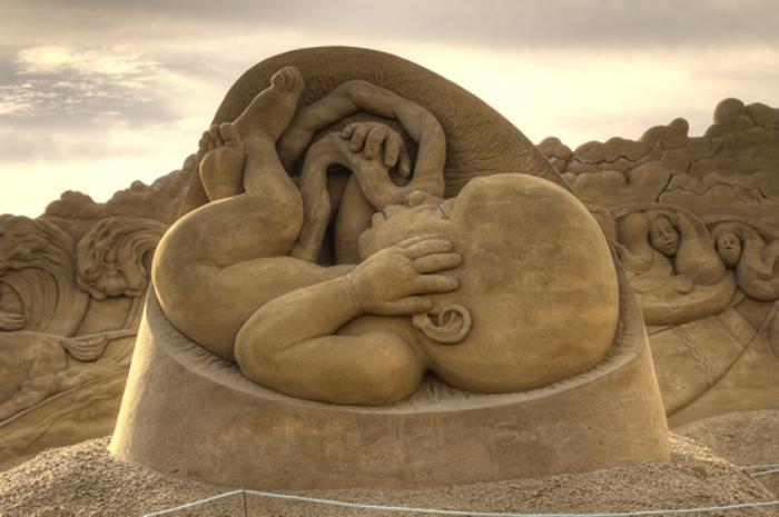 sculpture-de-sable-avant-de-naître