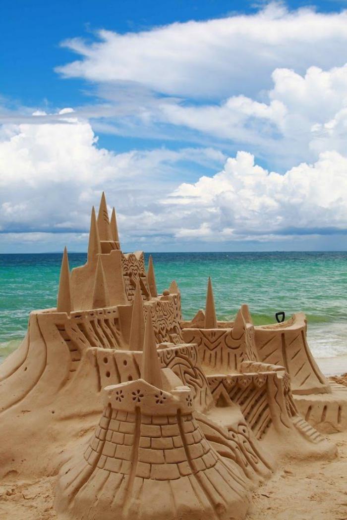 sculpture-de-sable-joli-palais-sur-la-plage