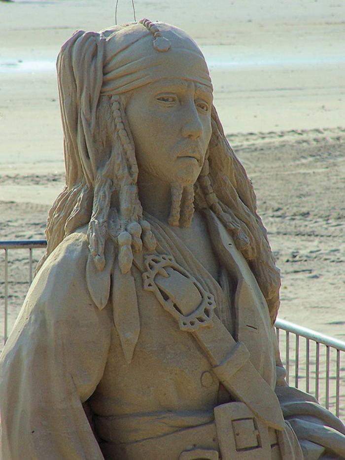 sculpture-de-sable-le-capitain-Jack-Sparrow