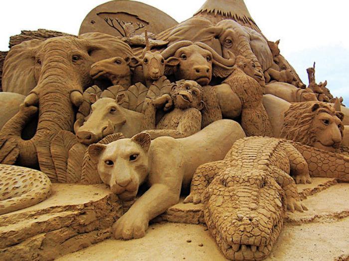 sculpture-de-sable-les-animaux-d'Afrique