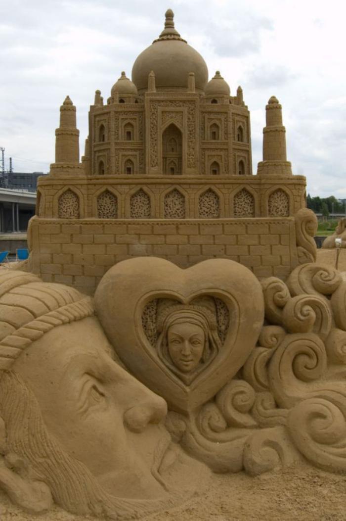 sculpture-de-sable-représentations-de-monuments-architecturaux