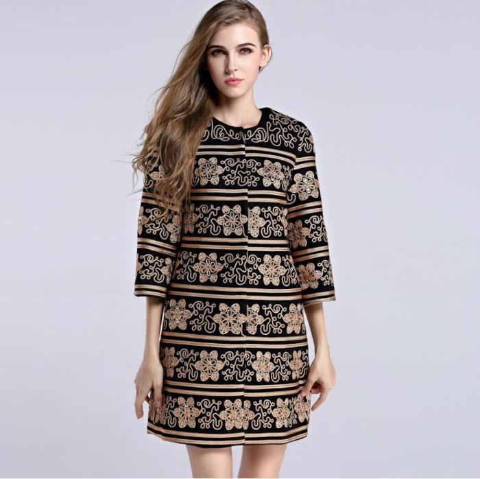 street-tendances-mode-automne-hiver-2014-2015-veste-dorée-vintage-resized