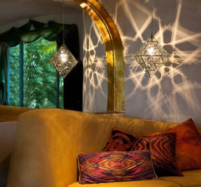 suspension-en-verre-luminaire-mystique-intérieur-oriental