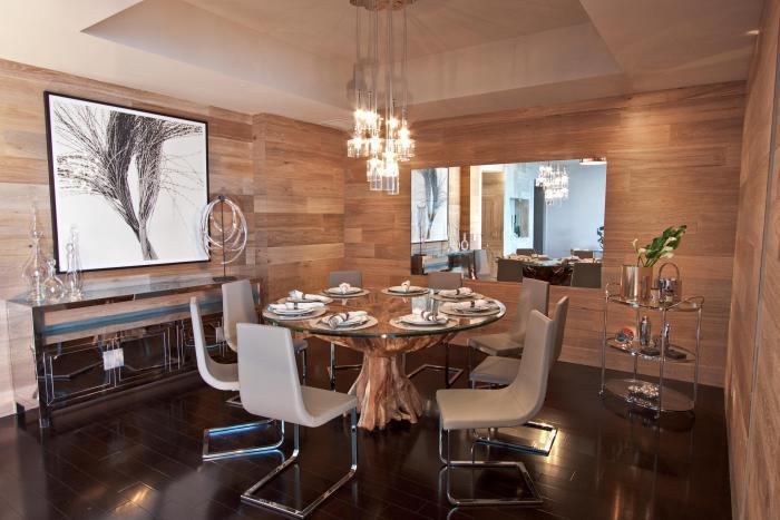 suspension-en-verre-lustres-contemporains-table-ronde-et-chaises-modernes