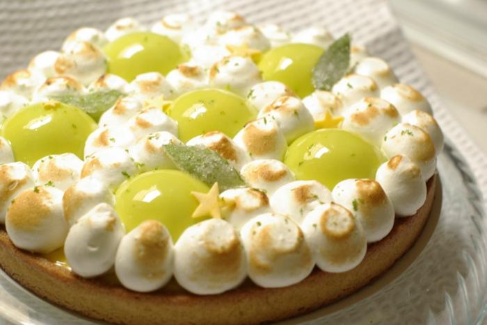 tarte-citron-meringuée-pâtisserie-délicieuse-meringue-minthe