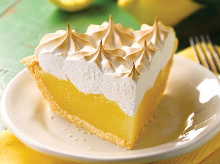tarte-citron-meringuée-pâtisserie-délicieuse-pièce