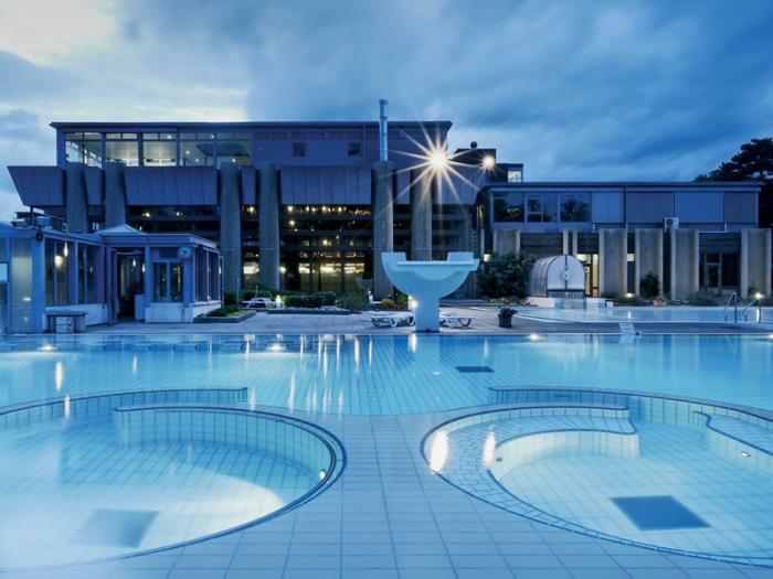 thermes-de-spa-architecture-phénoménale-et-bains-thermaux