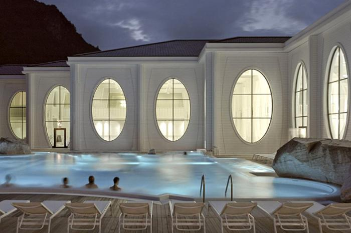 thermes-de-spa-bains-blancs-thermaux