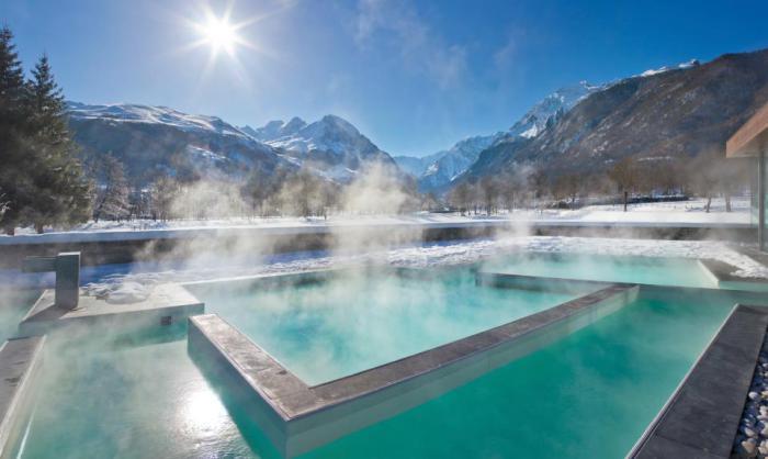 thermes-de spa-bains-thermaux-du-Japon-en-hiver