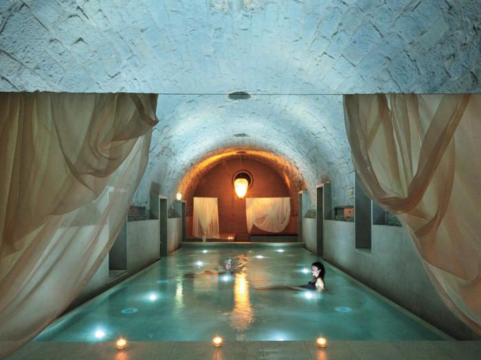 thermes-de-spa-complexe-thermal-luxueux-à-Zurich
