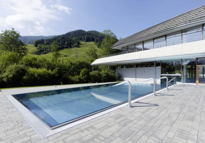 Thermes de spa contemporains eaux curatives et jolie - Belle architecture moderne ...