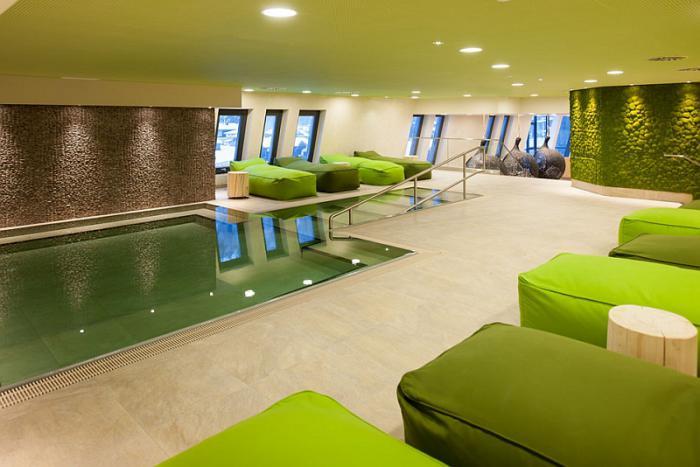 thermes-de-spa-intérieur-spectaculaire-pour-spa-et-relaxation