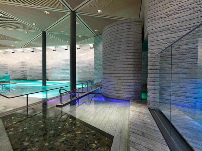 thermes-de-spa-jolie-piscine-intériueure-hôtels-de-spa
