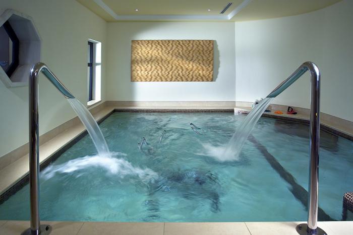 thermes-de-spa-petite-piscine-thermale